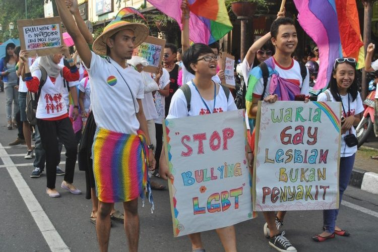 Conservative Lawmaker: Indonesia's LGBT Community an 'Emergency'