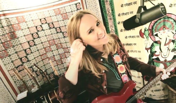 Melissa Etheridge launches her new music video 'one way out'