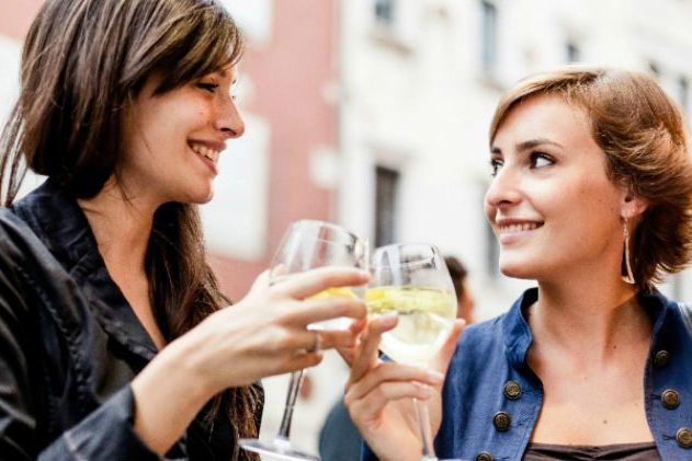 6 Reasons Why It's Sometimes Terrifying To Come On To Another Girl When You're Bi