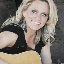 Beccy Cole comes out